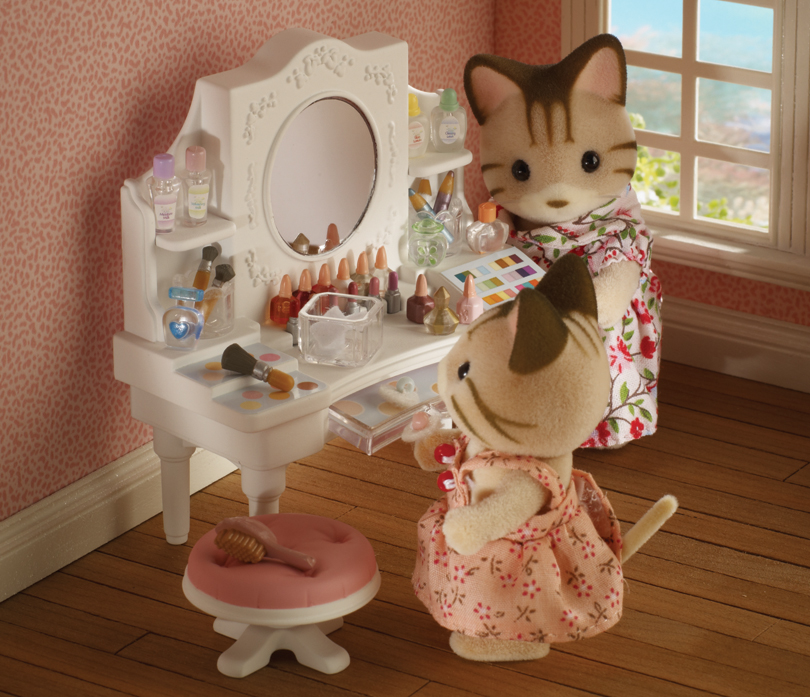 Buy girl 39 s dressing table white online sylvanian families for Sylvanian families beauty salon dressing table