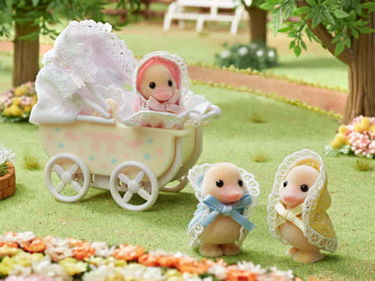 [SF] Darling Ducklings Baby Carriage