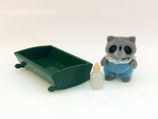Chestnut Raccoon Baby Boy (*)