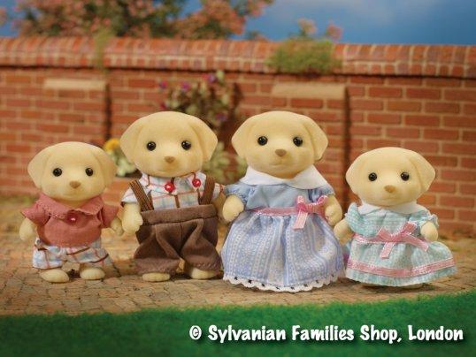 Fenton Yellow Labrador Family