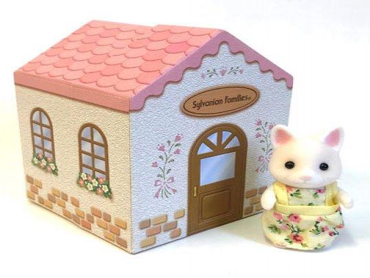 Dresser Box & Figure Set (*)