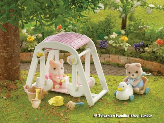 Peaches & Freddy's Swing & Play