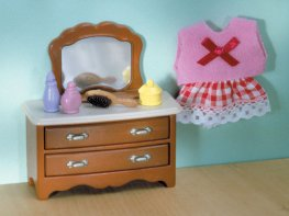 [SF] Chest of Drawers & Mirror (*)