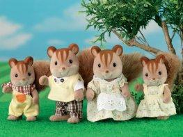 [SF] Walnut Squirrel Family