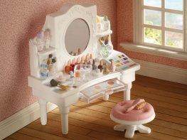 [SF] White Girl's Dressing Table (*)