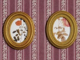 [DB] Embroidered Oval Pictures